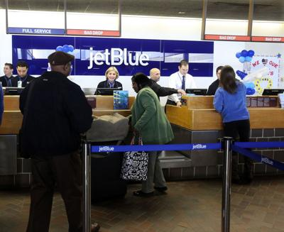 Local airfares dip in 4Q, report shows