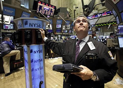 Stocks dive as fears grow