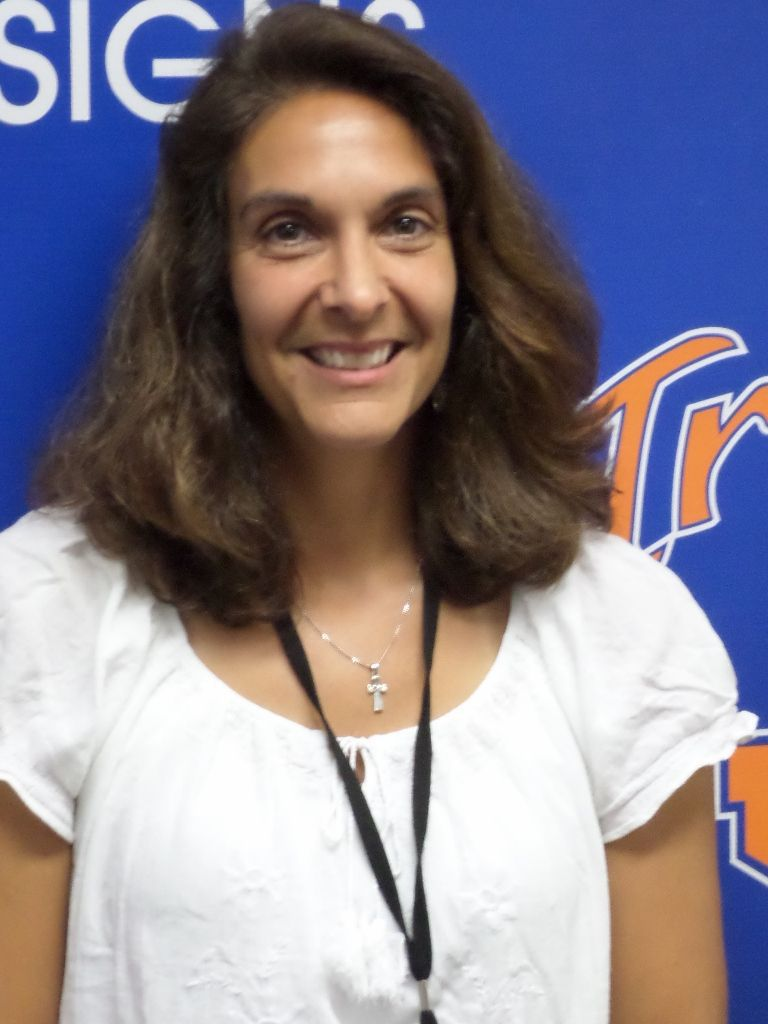 Lisa Enfinger named interim athletic director at James Island Charter High School