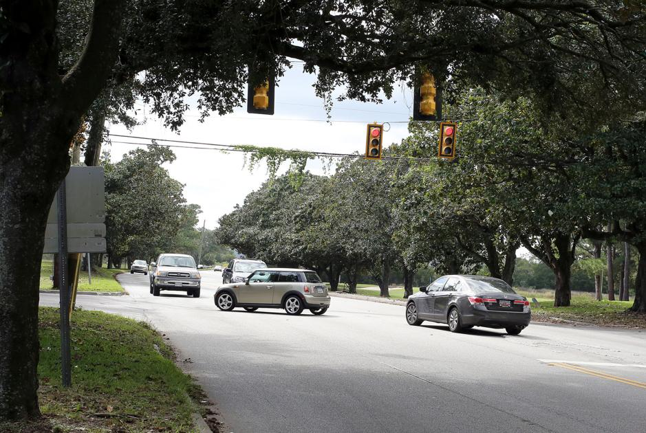 Dangerous James Island intersection spurs more debate for Charleston city council