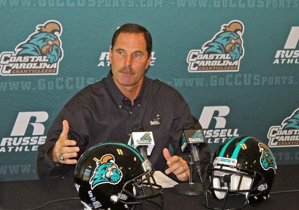 Coastal Carolina coach goes viral: David Bennett's press conference turns into a big hit online