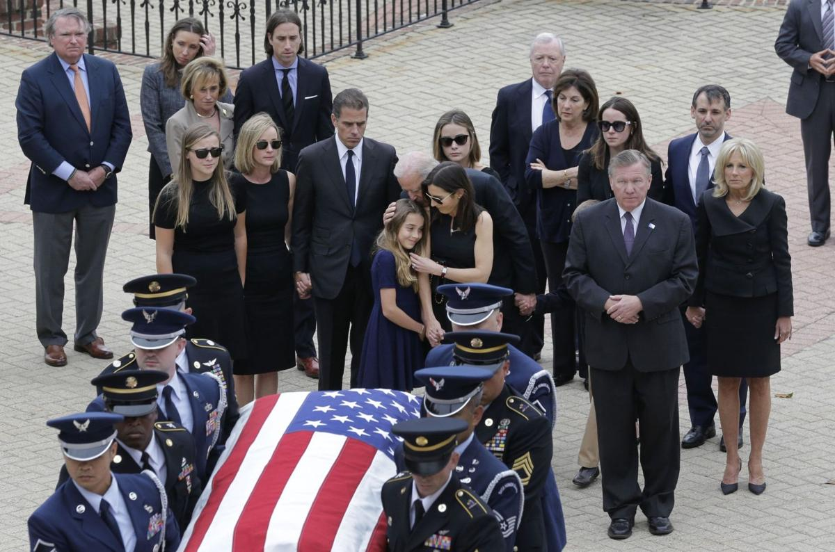 Obamas, Clintons to join Joe Biden at funeral for son Beau