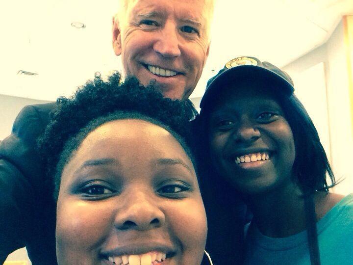 Biden stops for ice cream, selfie on Kiawah Island