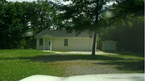 S.C. Highway 41-Wando — Acre-plus lot highlights newer home for lease with wooded surroundings