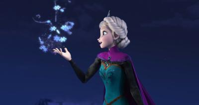 Outdoor movie fun heats up with 'Frozen'