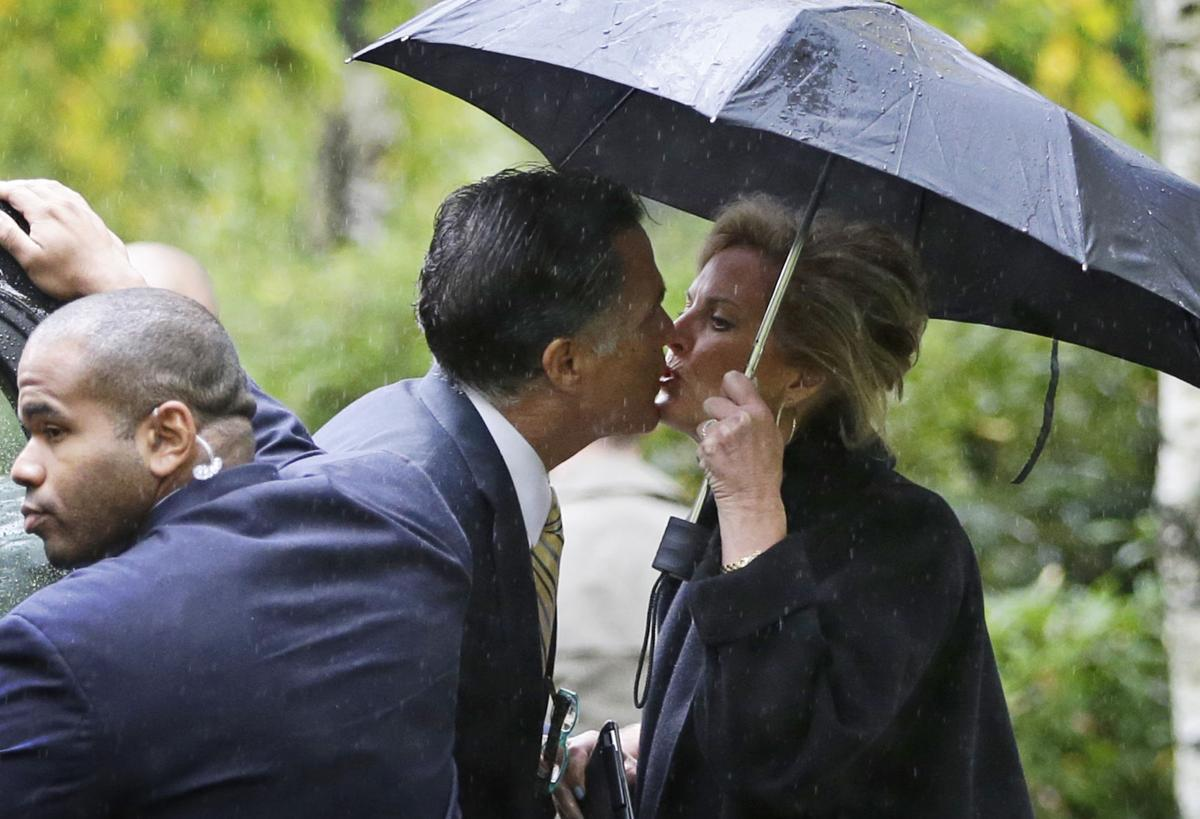 Romney, Obama take time for pre-debate homework