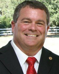 Santos, mayor disagree on why councilman quit Recreation Committee