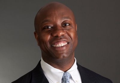 Sen. Tim Scott honors fallen Army private at Memorial Day service on James Island