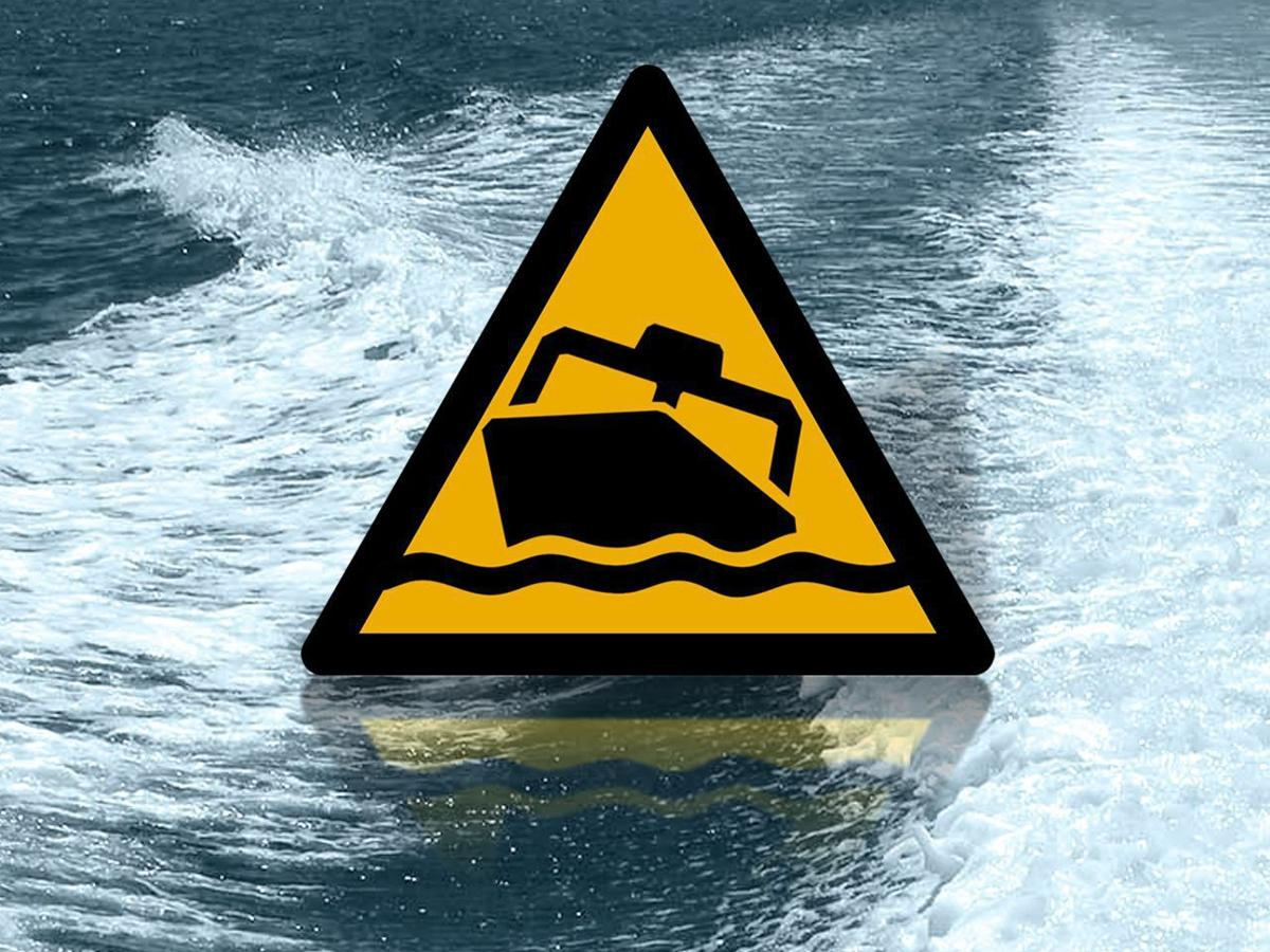 3 boaters rescued northeast of Charleston