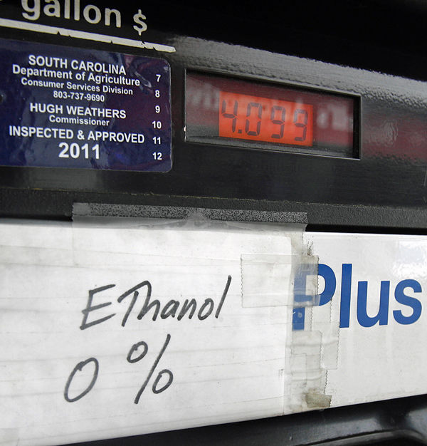 Boat owners find ethanol-gasoline fuel mix can be costly