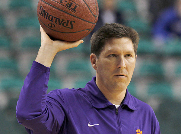 Clemson coach Brownell's contract extended through 2016-17 season