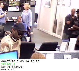 Summerville police seek suspect in bank robbery
