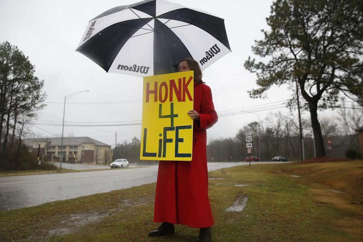 Abortion returns to Supreme Court altered by Scalia's death