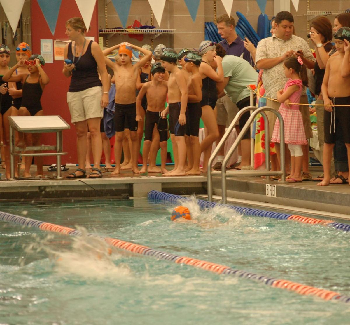 Grand Prix series offers training for swimmers