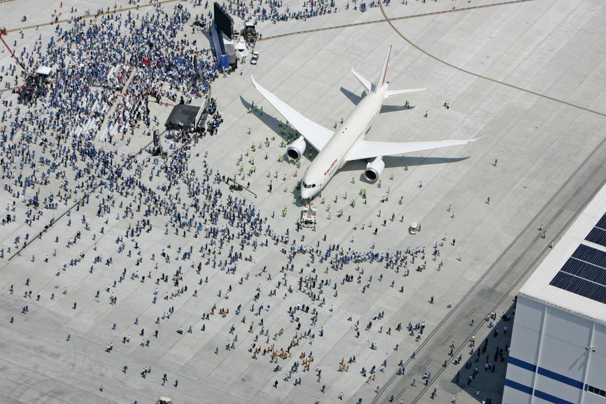 Boeing 787 Roll Out Aerials