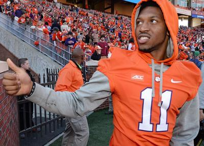 Former Clemson freshman All-American suffers setback in his knee