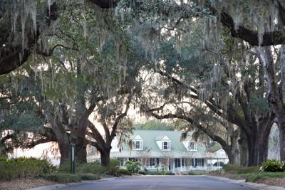 Legend Oaks Golf Club clubhouse