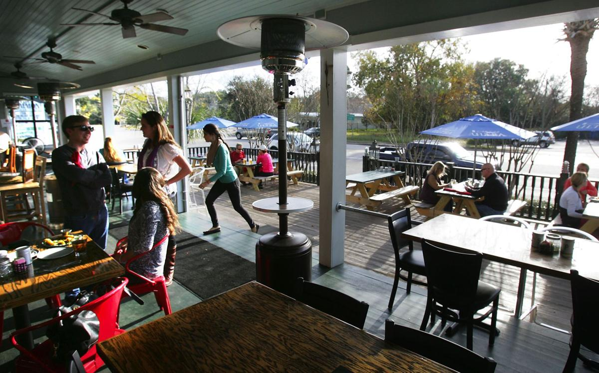 The Shelter Kitchen Bar Restaurant A Port For Casual Eating In Mount Pleasant Charleston Scene Postandcourier Com