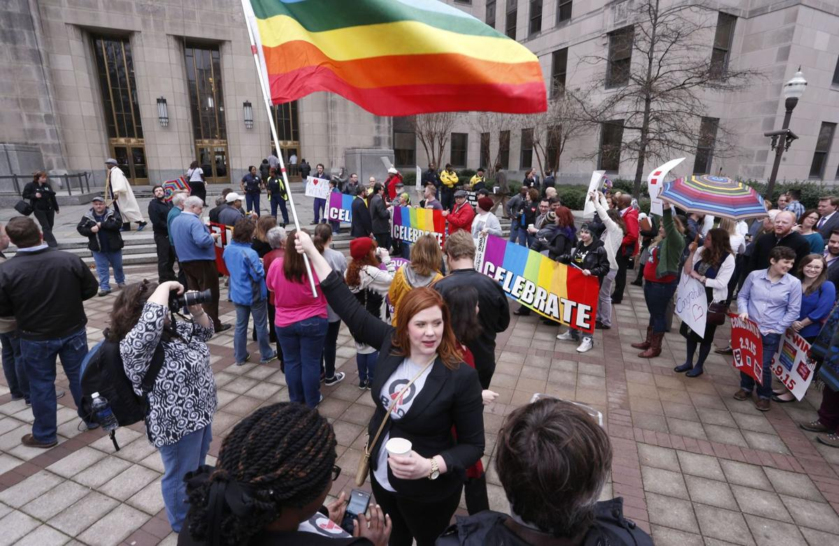 Justice Thomas objects to court's signal on gay marriage Alabama begins issuing marriage licenses to gay couples