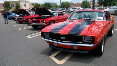 Muscle car club's 'Miracle Cruise' show boasts sizable turnout for first event at Centre Pointe
