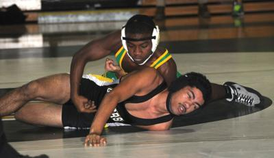 Wave wrestlers set sights on another title