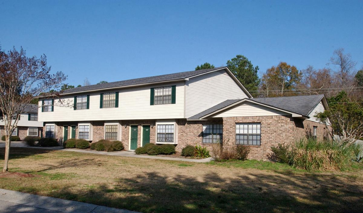 Size, location make West Ashley rental complex alluring to working class