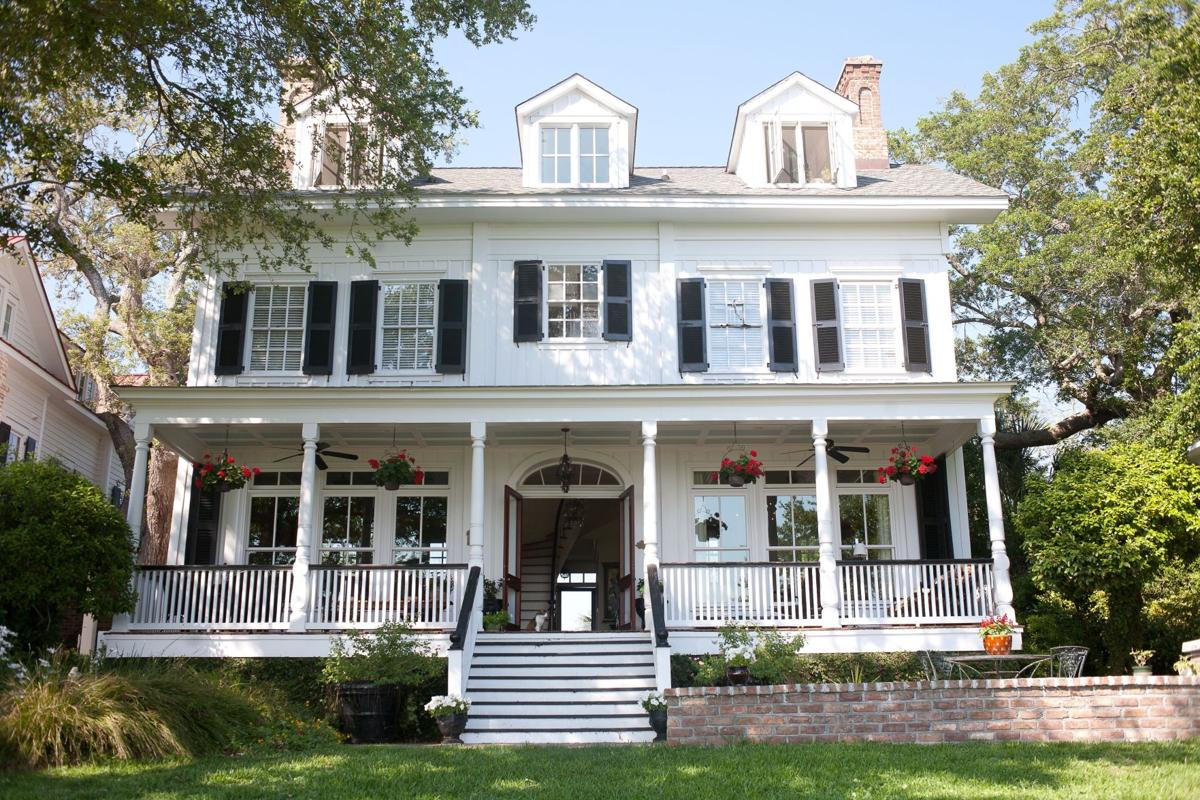 Where Old Meets New: Mount Pleasant's town roots sport antebellum homes, modern houses, retail row