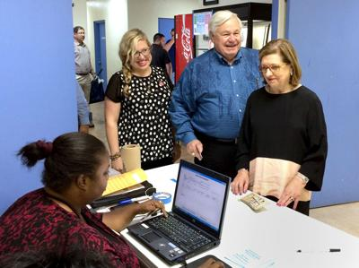 Summey takes N. Charleston by 2-to-1 vote