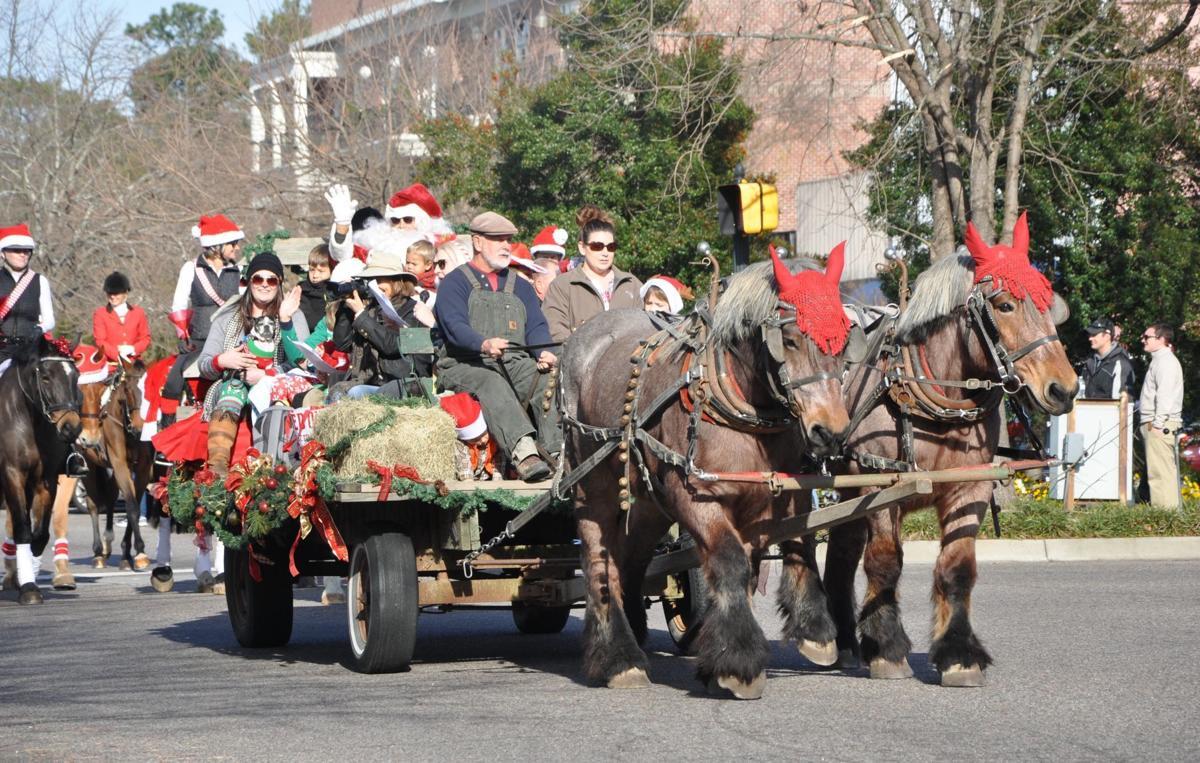 Aiken Christmas Parade 2021 Hoofbeats And Christmas Carols Parade In Aiken Canceled For 2020 Entertainment Postandcourier Com
