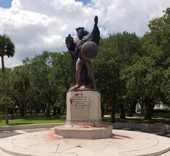 Confederate monument in White Point Gardens (copy)