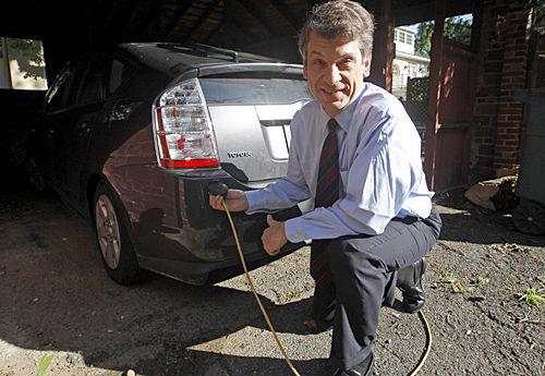 Obama's electric car champion