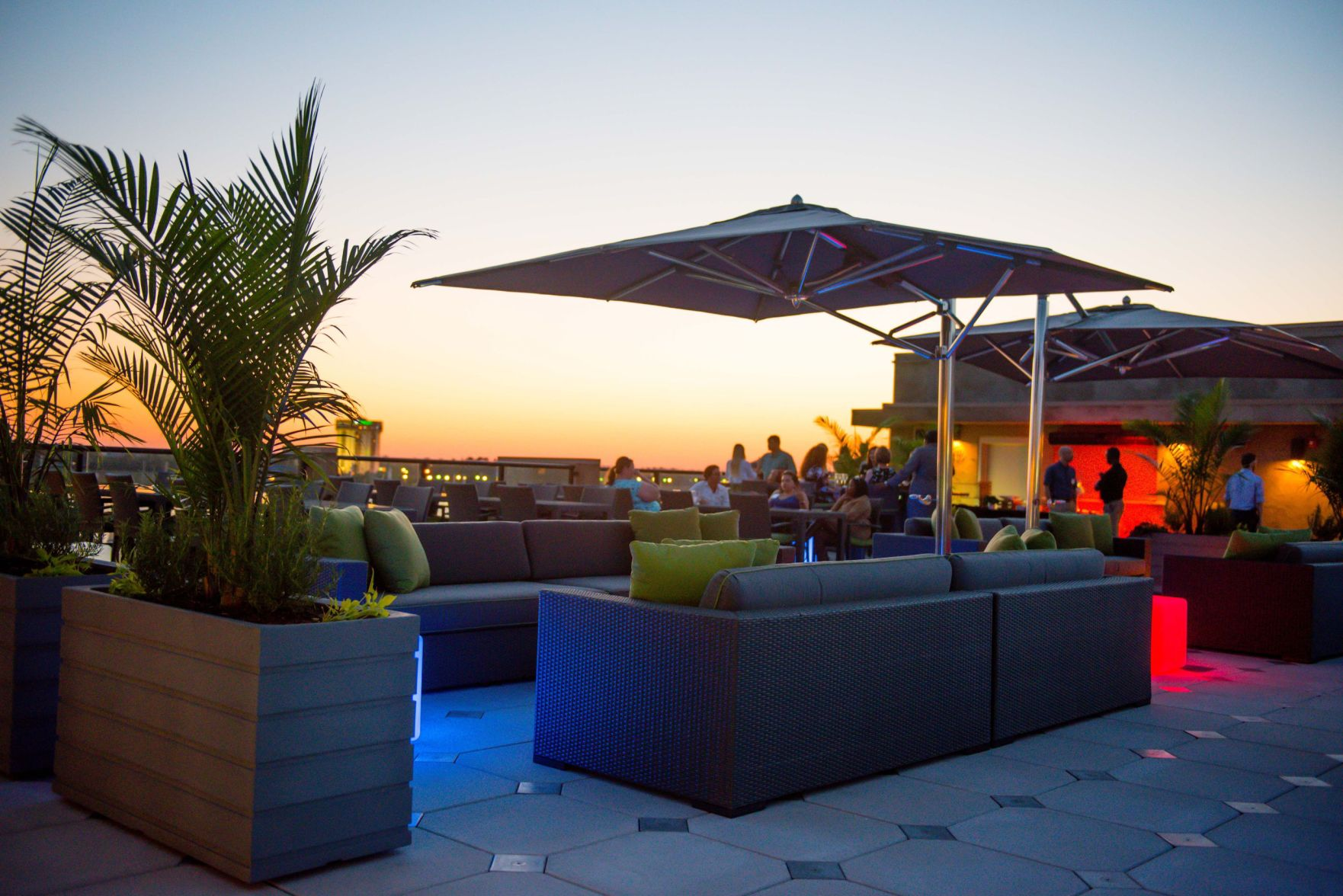 New Rooftop Lounge Opens At Hilton Garden Inn On Lockwood