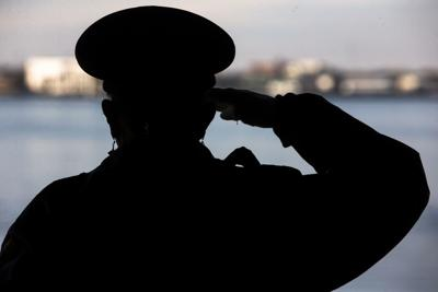 Salute in shadow on Yorktown