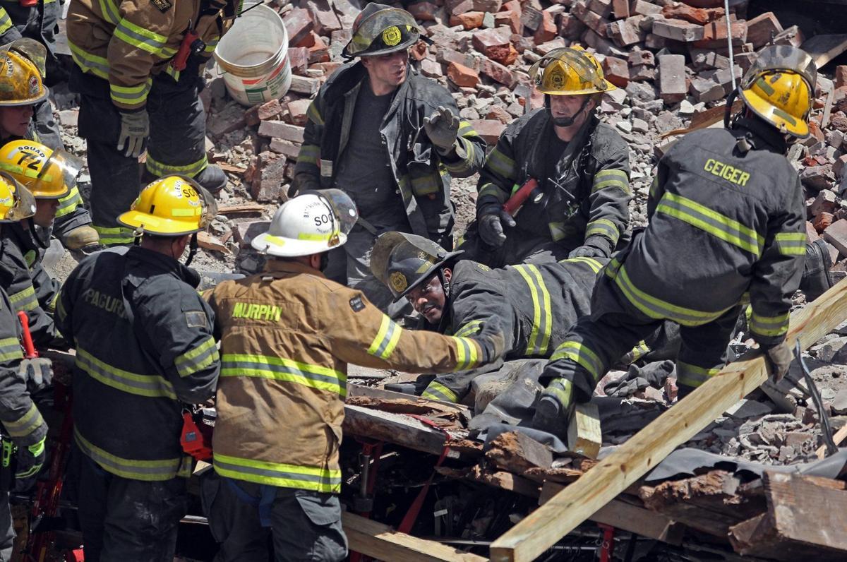 Mayor: 6 dead in Philadelphia building collapse