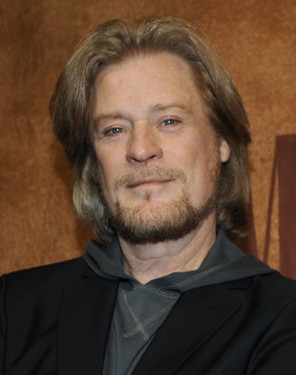 Daryl Hall credits his mom for vocal longevity