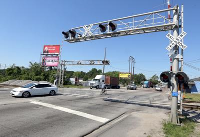 Railroad crossing on Remount Road in North Charleston closed for several days