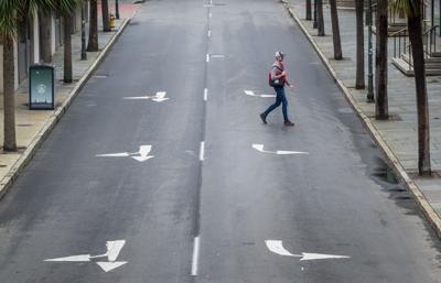 TWOC9713-market-street-alone-distancing (copy)