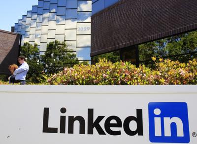 Professional networking site LinkedIn rolls on, but is there trouble ahead?