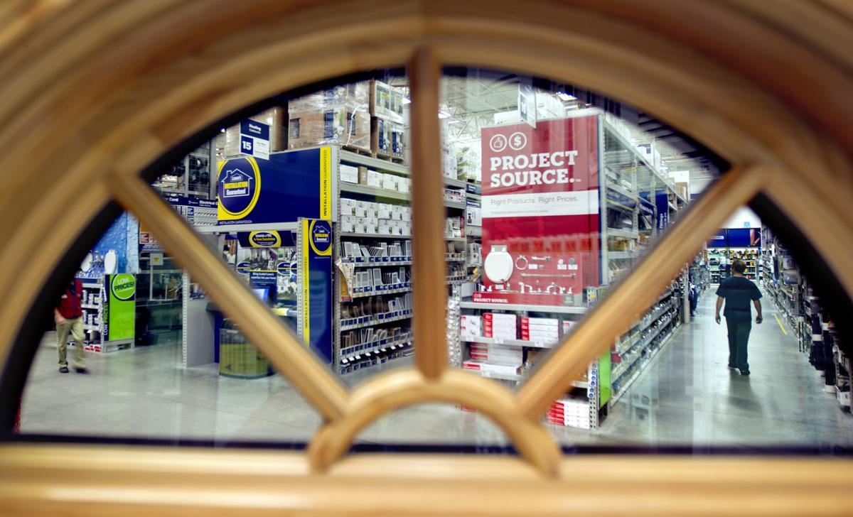 Slow retail sales point to weaker economy