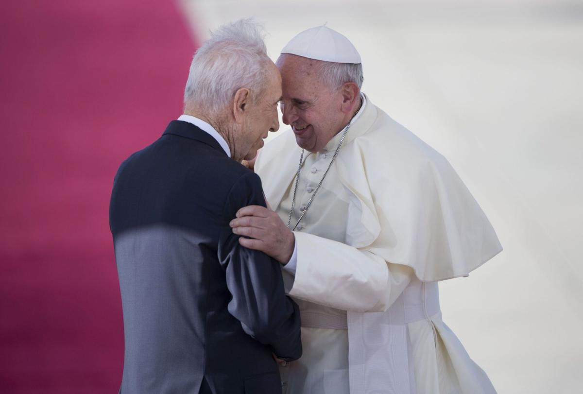 Peres, Abbas to visit Vatican on June 8