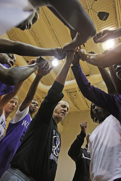 West Ashley basketball coach Ronnie DuPre zeroes in on 500 career victories