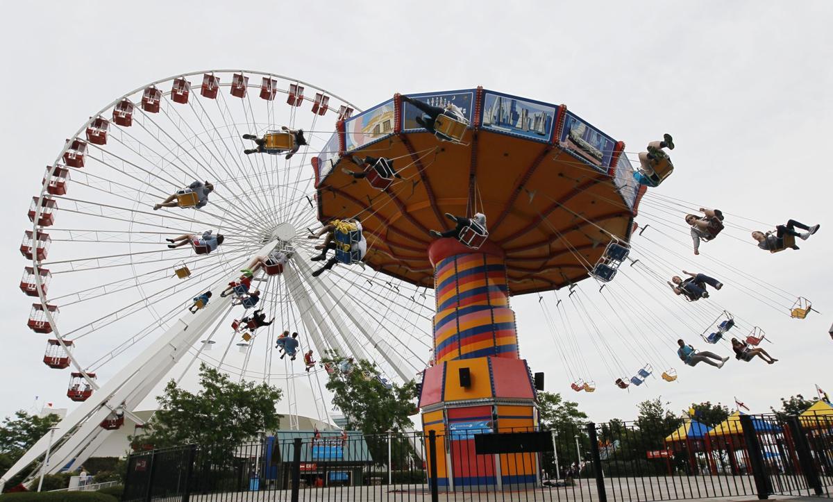 Chicago man sets world record for longest Ferris wheel ride