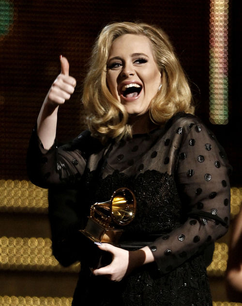 Adele's '21' poised to tie 'Bodyguard' soundtrack for No. 1 in sales