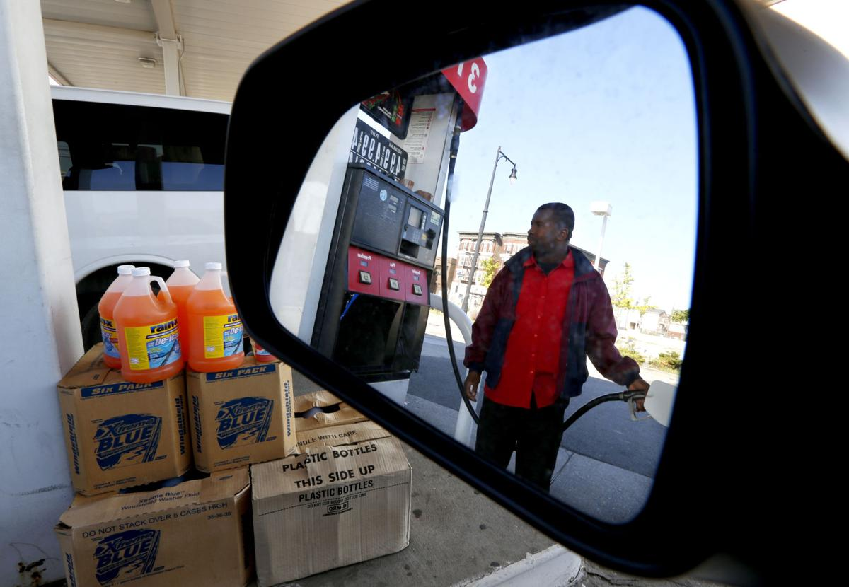 Gas-price rise slows consumer spending
