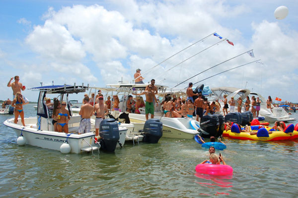 AquaPalooza '11 shifts to Daniel Is.: Few knew Saturday's massive recreational armada coming their way ... and last year's was 400 strong