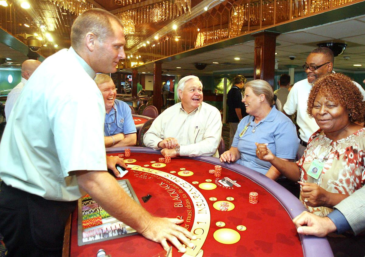 Gambling boats in North Charleston clear first vote