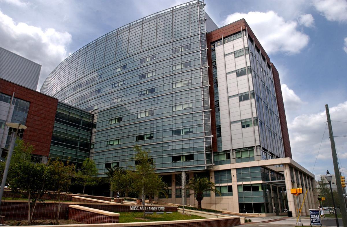 Senators push for hospital ratings delay