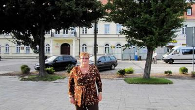 Retracing footsteps on Holocaust tour