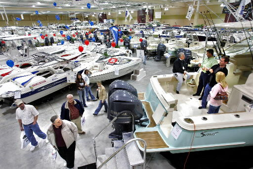 Businesses aim to reel in new customers at boat show