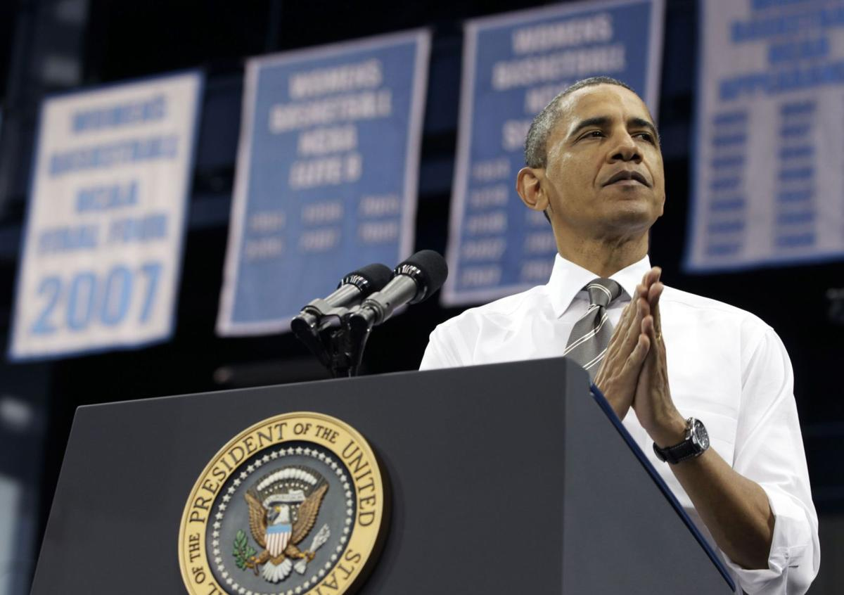 Obama to meet with shooting victims' families in Charleston